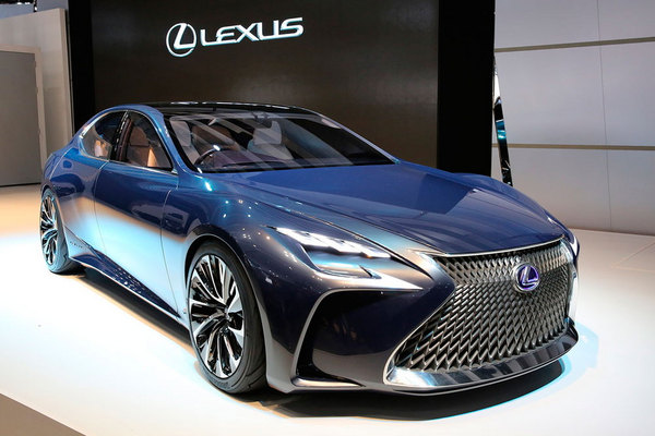 Хидромеханика или водород: Кое ще избере Lexus