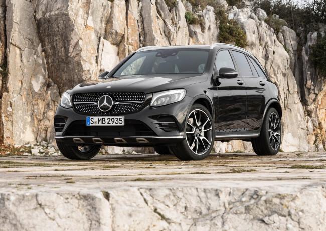 Mercedes-Benz представи новия кросоувър AMG GLC 43 4Matic