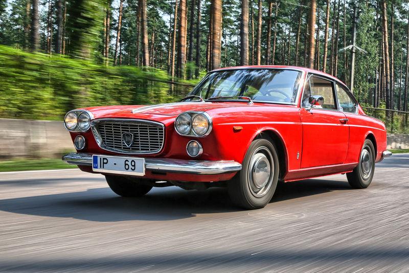 Запознайте се с купе Lancia Flavia
